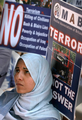 Muslim networks MB woman at rally 10-09-13