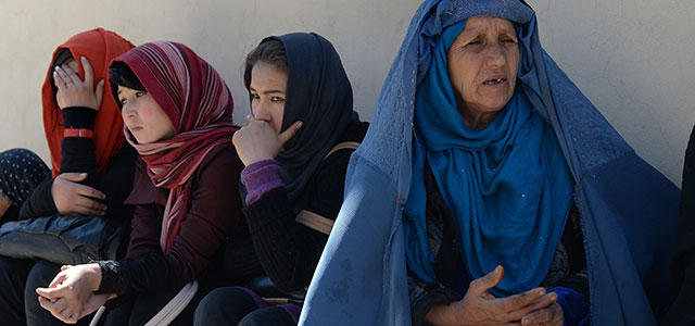Afghan Women Wait For Voter Cards
