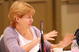 Linda Feldmann