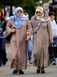 Muslim networks intro women walking 10-09-10