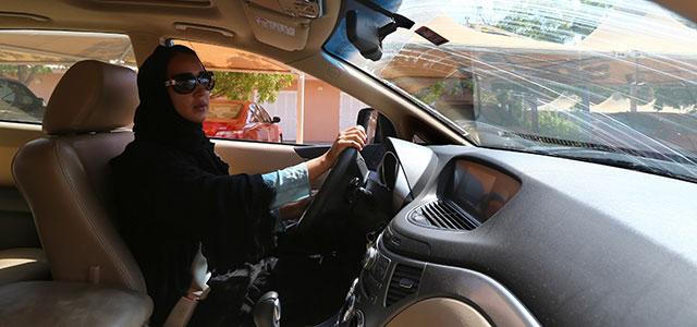FT_13.10.24_SaudiWomenDriving_640x300