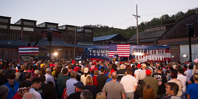 Republican candidate for vice president Mike Pence campaigns in Johnstown, Pennsylvania, on Oct. 6, 2016. Photo credit: Jeff Swensen/Getty Images